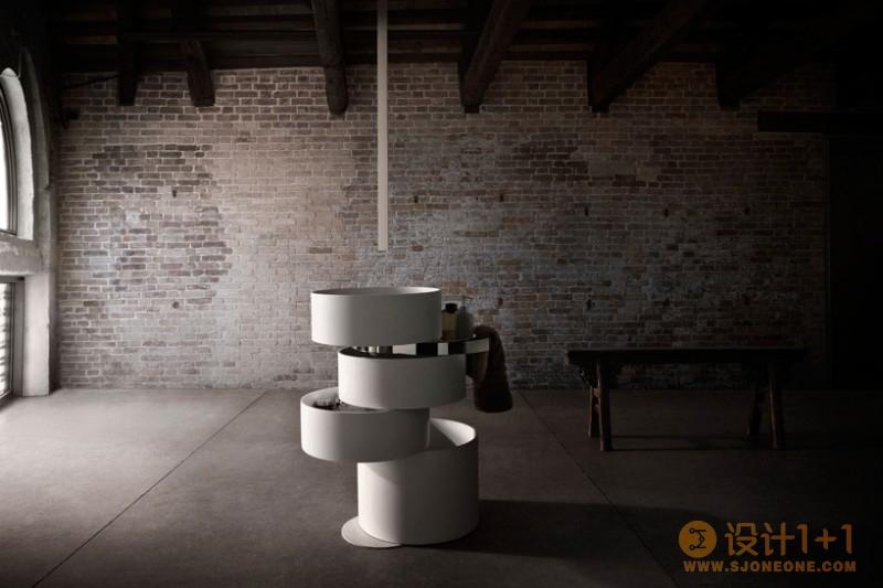 巧妙的收纳空间:Alessandro Isola创意轨道水槽设计