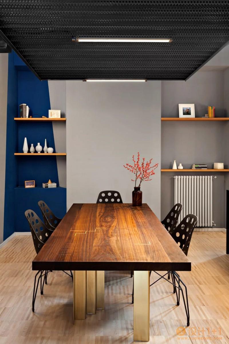 米兰蓝色混凝土公寓设计