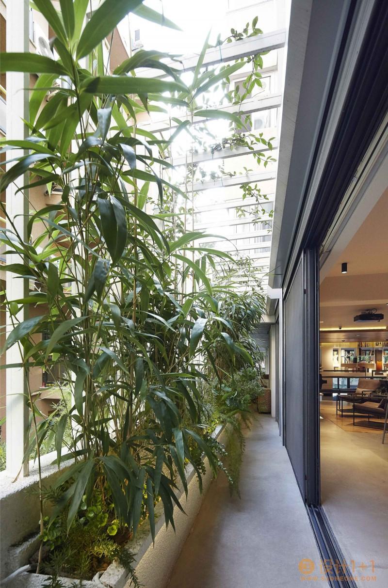一个家和公共艺术画廊:Studio Loft摄影工作室空间设计