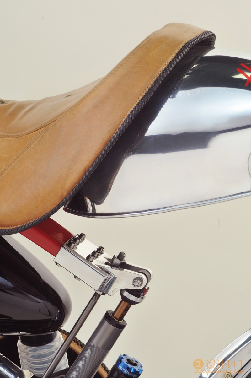 Bienville Legacy定制复古摩托车