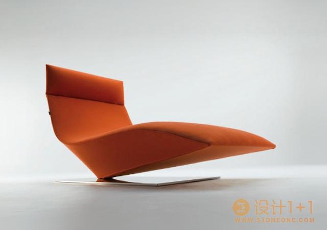 梦幻雕塑般的Lofty单椅设计