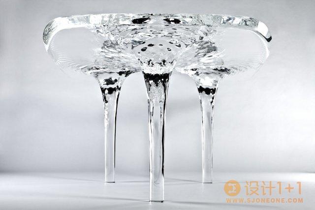 zaha hadid设计的流体冰桌