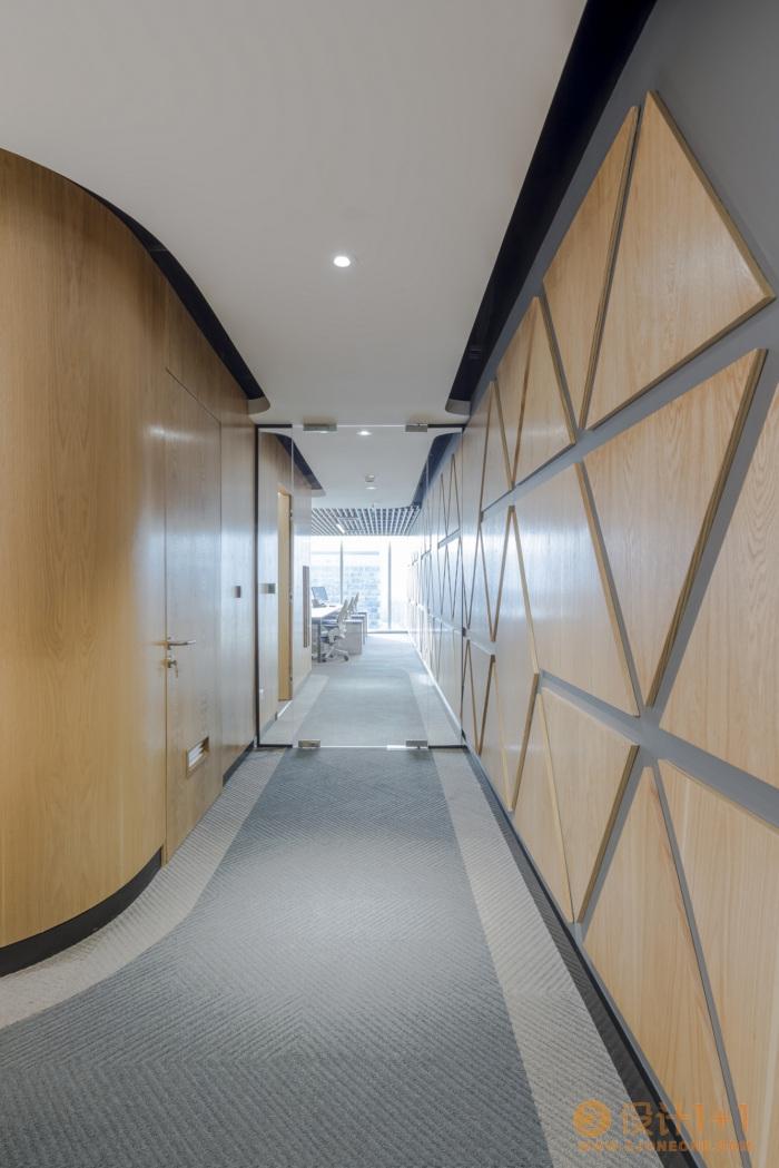 智利制药公司Bristol-Myers Squibb办公室空间设计
