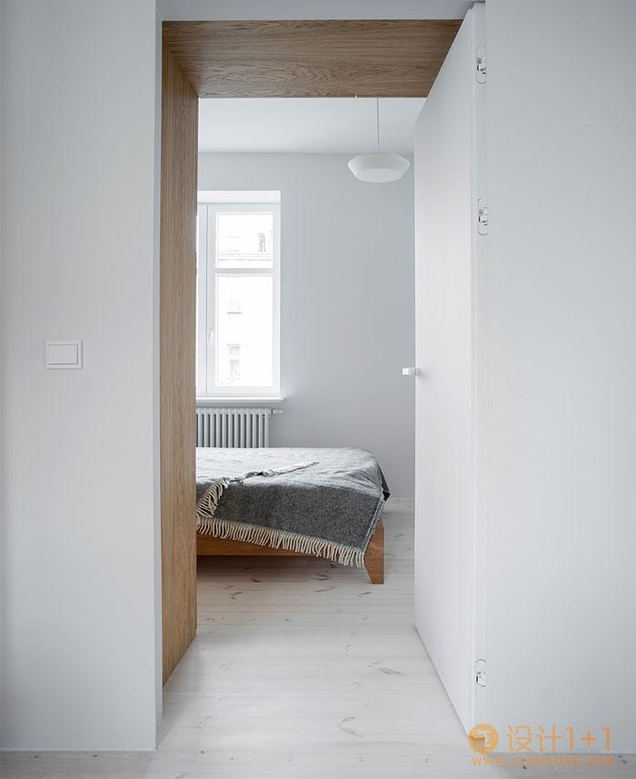 华沙精致美感的纯白公寓