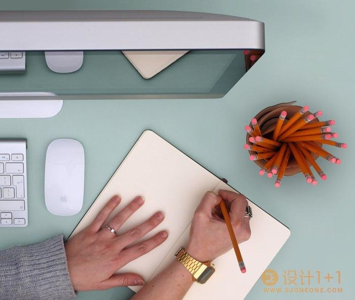 可爱又实用的创意刨花笔筒