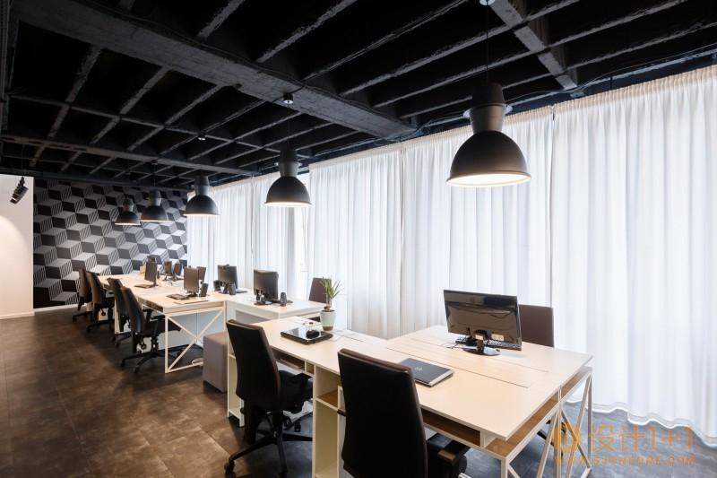 塞尔维亚欧莱雅办公室设计